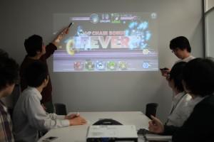 リーダー主体でゲーム関連業務のMTGをしている様子
